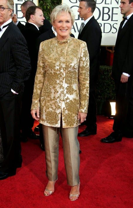 Geoffrey Beene (nascido Samuel Albert Bozeman, Jr. , 30 de agosto de 1927 - 28 de setembro de 2004) foi um estilista de moda americano.  http://sergiozeiger.tumblr.com/post/96170181123/geoffrey-beene-nascido-samuel-albert-bozeman-jr  Os clientes da Beene incluiram Lady Bird Johnson , Pat Nixon , Nancy Reagan , Faye Dunaway e Glenn Close .