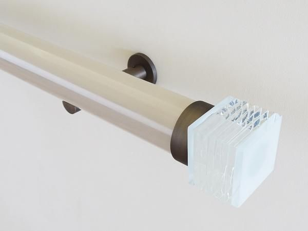 50mm diameter gloss lacquered curtain pole with bijou finials and steel brackets