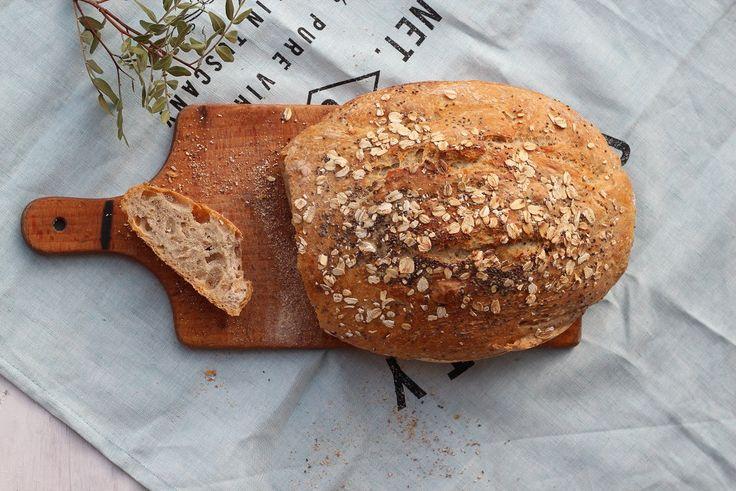 Pszenno-żytni chleb z płatkami owsianymi i nasionkami chia