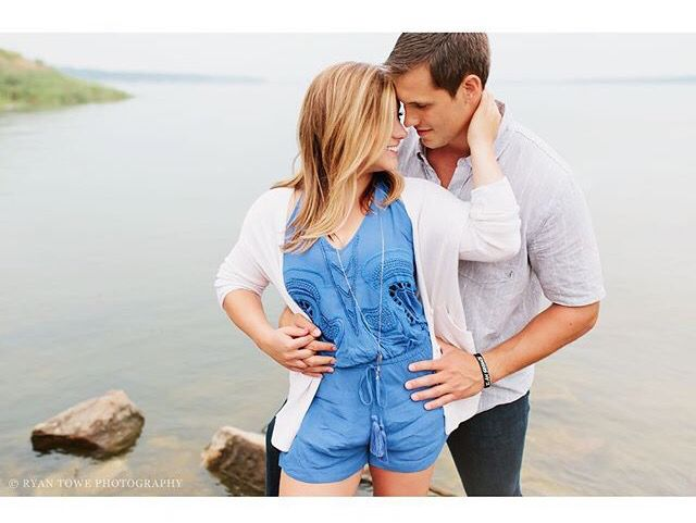 Sweet sweet pose. Shawn Johnson and Andrew East. Love this idea and pose for engagement shoot. So cute