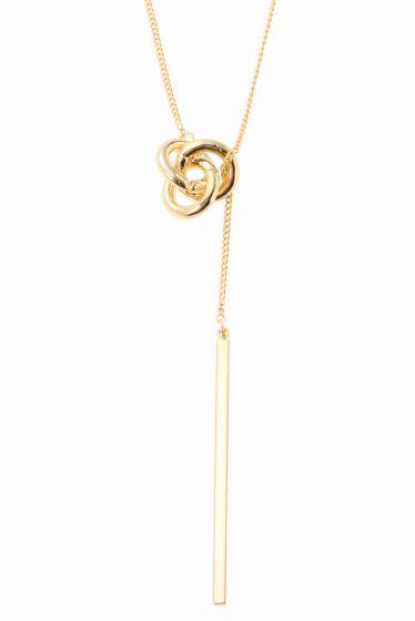ゴールドポイントネックレス  ゴールドポイントネックレス 2052 2016AW Limitless Luxury Y字デザインが新鮮なネックレス バーと小ぶりのサークルモチーフが上品で大人めな印象に 華奢なチェーンでパーティーシーンにも対応出来るネックレスです