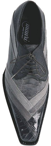 Men's shoe made from ostrich leg leather.