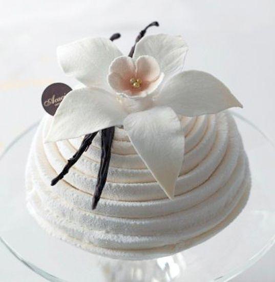 三越伊勢丹の基幹3店舗で独創性が高いクリスマスケーキの予約がスタート