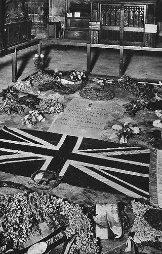 The Tomb of the Unknown Warrior in Westminster Abbey, London, together with the American Congressional Medal of Honour. In Oct 1921 the Unknown Warrior was posthumously awarded the Medal by an act of the American Congress, the following month the British Government awarded the Victoria Cross to the American Unknown Warrior interred at Arlington Cemetery