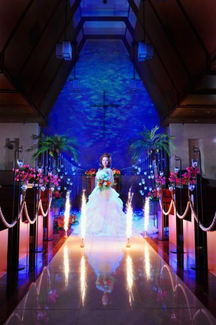 ホテル 名古屋ガーデンパレス|結婚式場写真「チャペルを常夏のハワイ風に。花火にはゲストもビックリ!」 【みんなのウェディング】