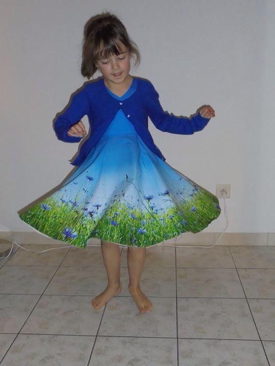 Supermooie jurk voor communiefeest van linn hier vind je het patroon: Http://www.craftsy.com/pattern/sewing/clothing/donna-dress-pdf-pattern-12m-12y/20930