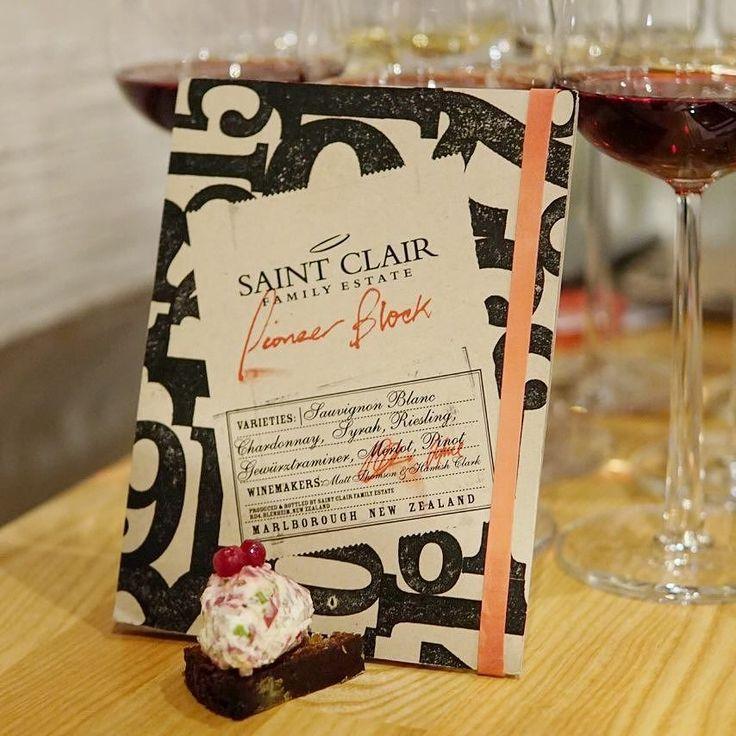 Uuden Seelannin viinit testissä Tasting Saint Clair wines . . . #saintclairwine #viini #viininmaistajaiset #viini #ruokajaviini #nelkytplusblogit #winestagram #wine #foodandwine #winetasting #newzealandwines