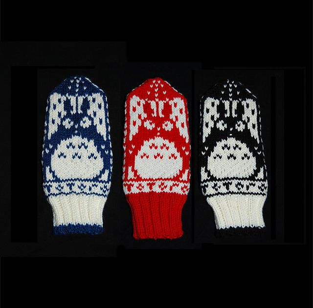 Ravelry: Norwegian Totoro Mittens pattern by brella. At first glance, I thought these were owls, but according to the designer, they: Totoros are the shy forest spirits portrayed in Hayao Miyazaki's Japanese animated film My Neighbor Totoro. Sooo cute. Free pattern