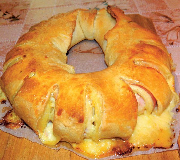 Coroniţă cu brânză şi şuncă - Retete culinare - Romanesti si din Bucataria internationala