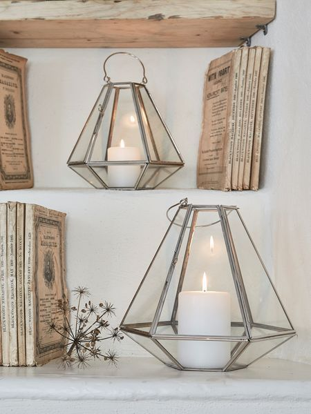 We were instantly captivated by the clean lines and striking design of these stylish geometric lanterns.