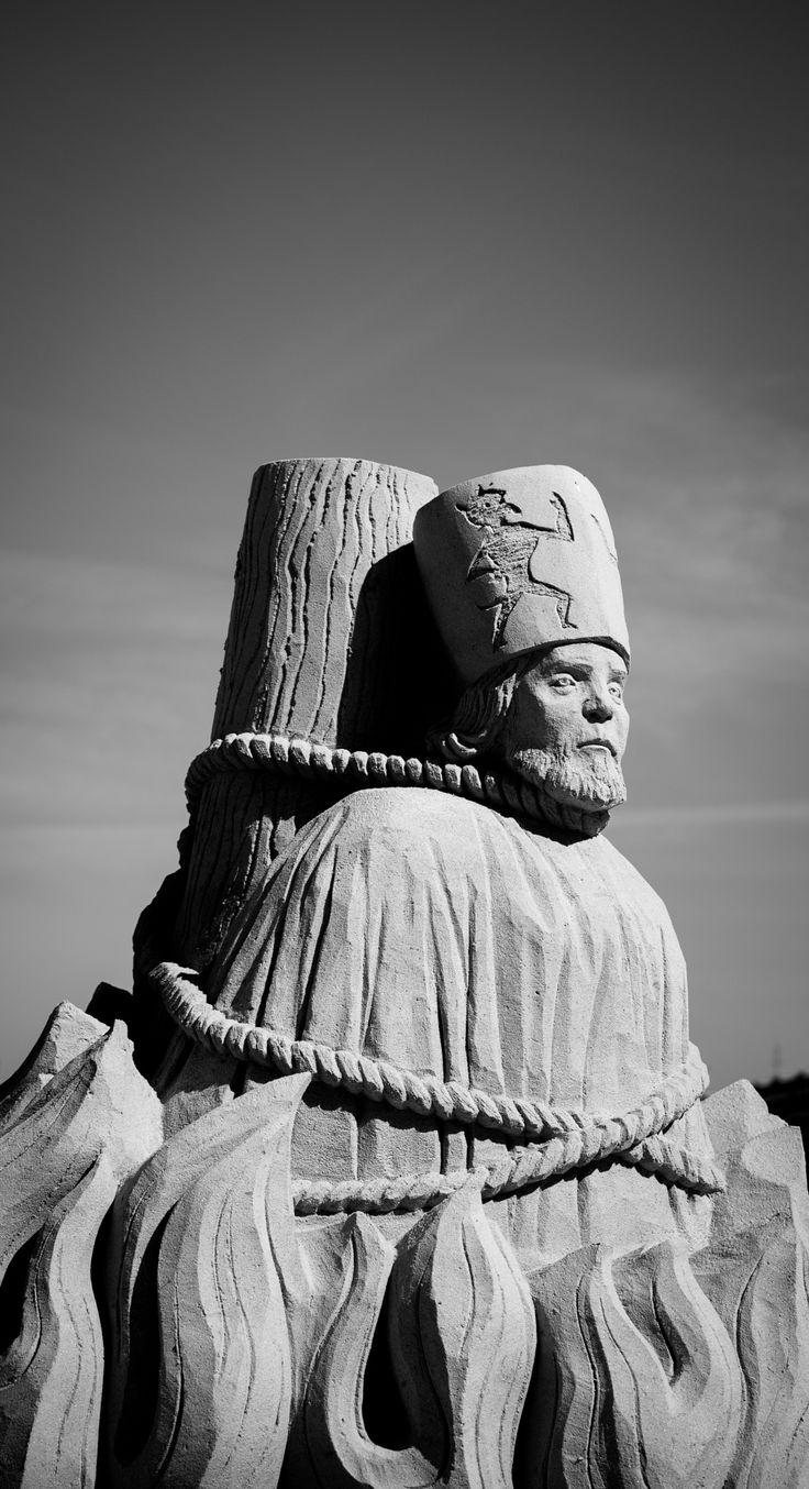 Statue of sand by Luboš Dufek on 500px