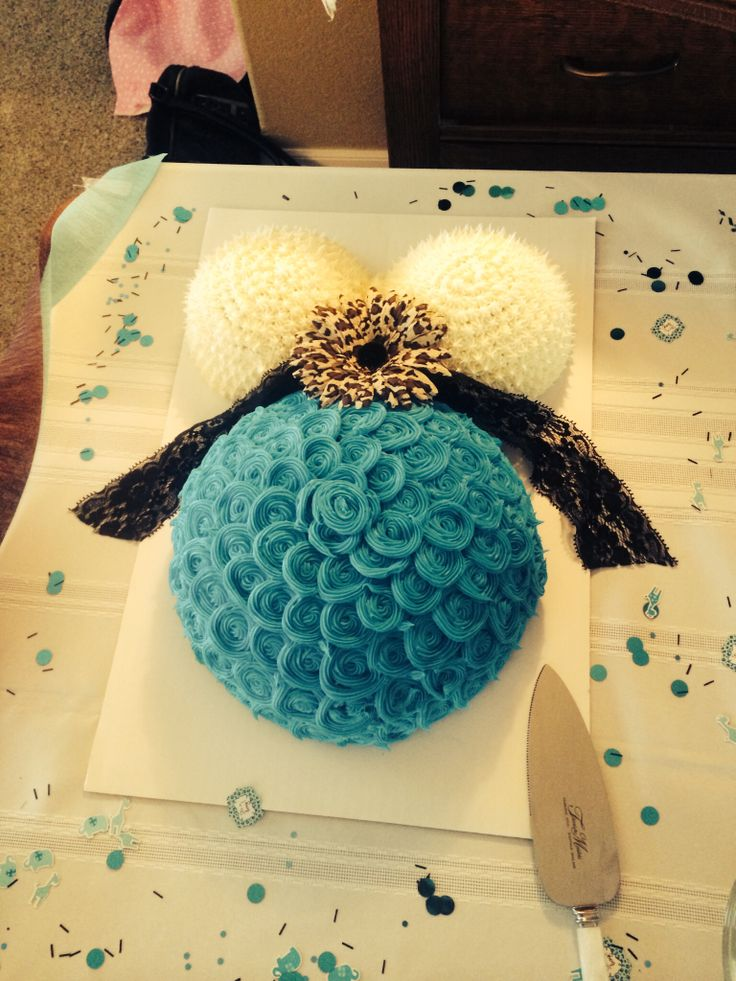 Buttercream baby belly cake