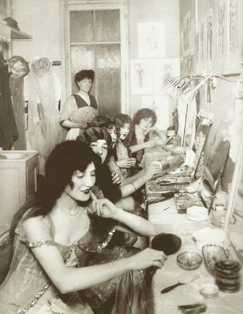 Inside a dressing room at Paris' Moulin Rouge, 1924