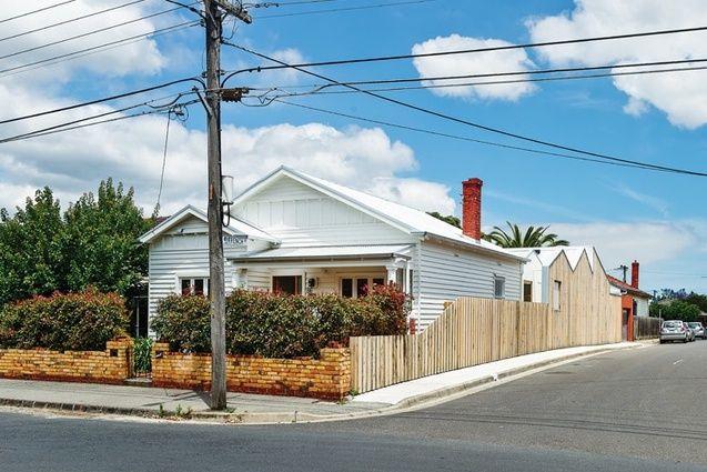 The original Californian bungalow facade has been retained.