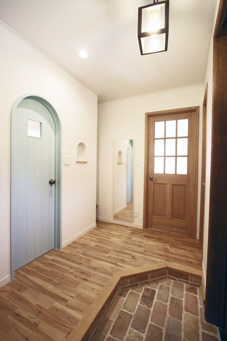アーチドア/水色/ドア/造作ドア/無垢ドア/扉/インテリア/ナチュラルインテリア/注文住宅/施工例/ジャストの家/door/interior/house/homedecor/housedesign