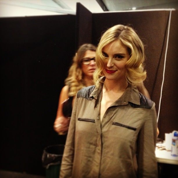 Red lips and waves - backstage at our hair & beauty catwalk parades