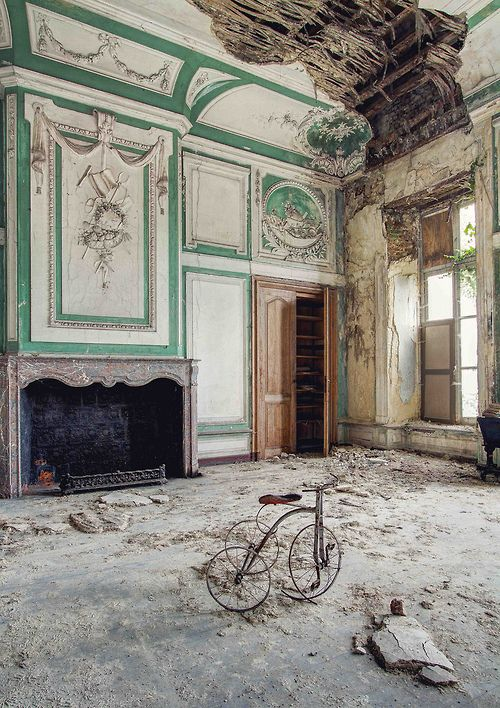 Baby's room in an abandoned Chateau in Belgium