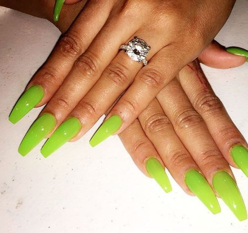 Neon green manicure, love lime green nails!