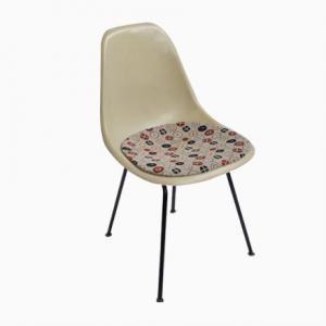 Les 25 meilleures id es de la cat gorie chaises d 39 appoint sur pinterest - Chaise eames fibre de verre ...