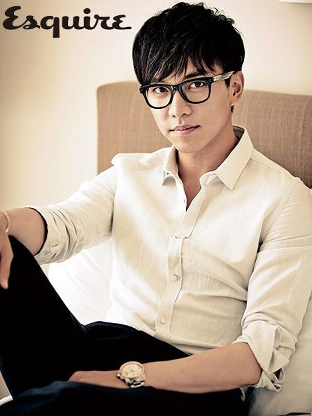 Even More Spreads Of Lee Seung Gi In Esquire Korea's August 2013 Issue (UPDATED) : Couch Kimchi