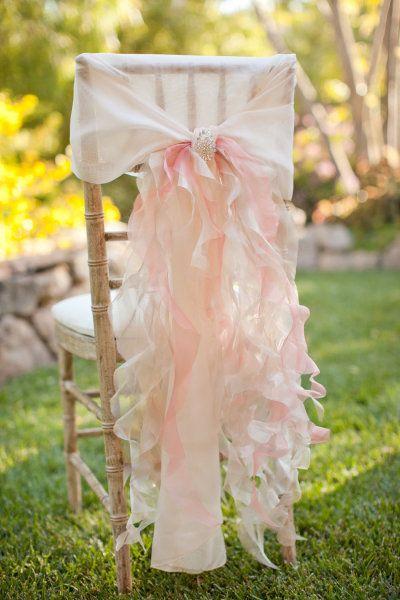 Housse de chaise pour un mariage en rose très romantique