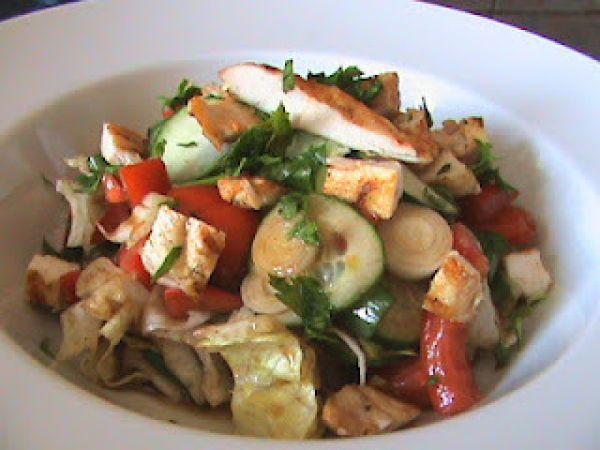 Rețetă Salata cu piept de pui la gratar de Gabrielaolteanu - Petitchef