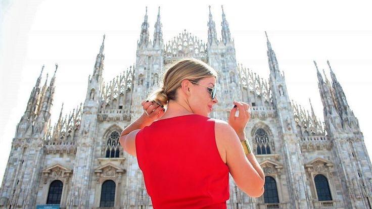 Prin aceasta promotie beneficiati de 4 zile ( 3nopti ) cazare in cameră dublă, mic dejunla Hotel 3* situat central in Milano, bilete de avion cu taxe de aeroport incluse, cu numai185 eurode persoana!Oferta este valabila pentru plecari in zilele de:- 08, 11, 14, 15, 19, 20, 21, 24, 26, 27 martie 2017- 03, 05, 06, 07, 08, 09, 11, 13, 14, 15, 16, 17, 18, 19, 20, 21, 22, 23, 24, 25, 26, 27, 28, 29...