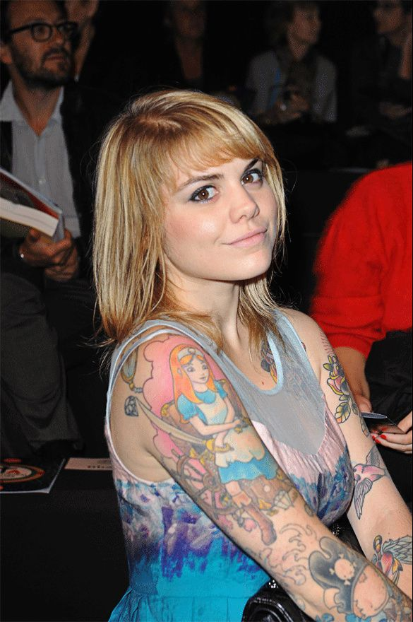 Beatrice martin aka coeur de pirate wicked games - 5 1