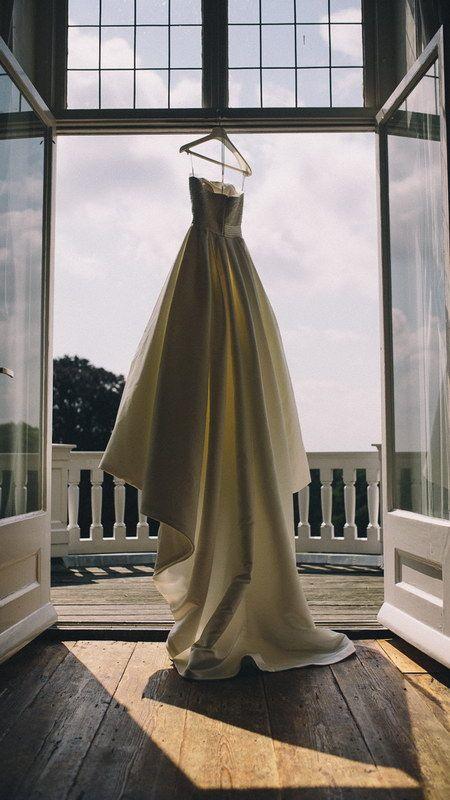 Wedding dress, Rhederoord Photo by Sjoerd Banga, © Banganimation