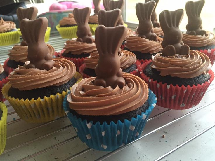 Easy peasy cheats cupcake - chocolate cupake, topped with a malteser choc bunney and a swirl of chocolate frosting!