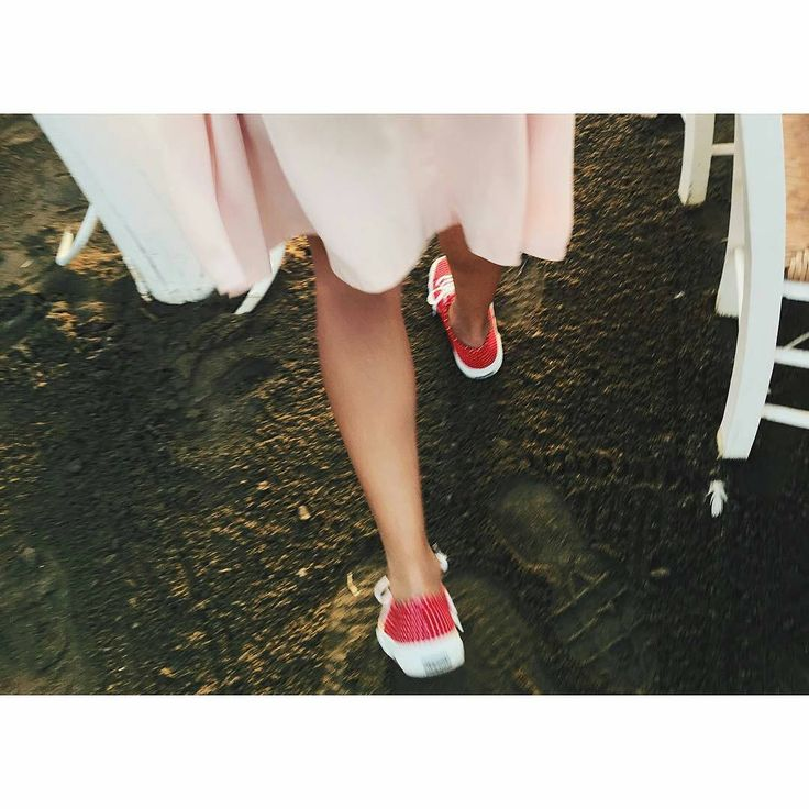Happy feet! #thefbox #thefboxstyle #superga #supergagreece#supergalovers #Regrann from @marielkou