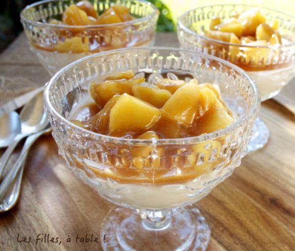 Panna cotta au pommes et caramel de cidre