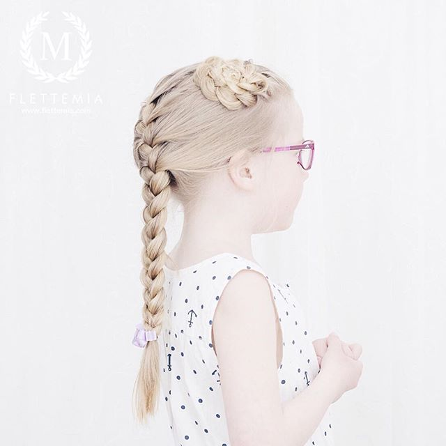 """Fransk flette og blomsterknute  / French braid and flower bun "" Photo taken by @flettemia on Instagram, pinned via the InstaPin iOS App! http://www.instapinapp.com (03/29/2016)"