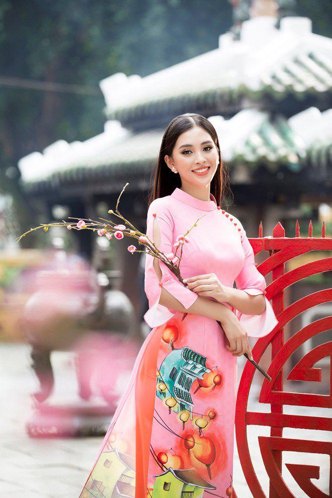 Pin by Love Beauty on Trần Tiểu Vy | Evening dresses