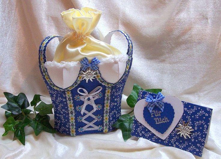 Geschenkschachtel Geldgeschenk Box DIRNDL + Karte blau weiß  modernes Design NEU