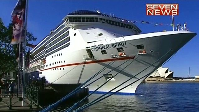 2 cruise line passengers missing off coast of eastern Australia