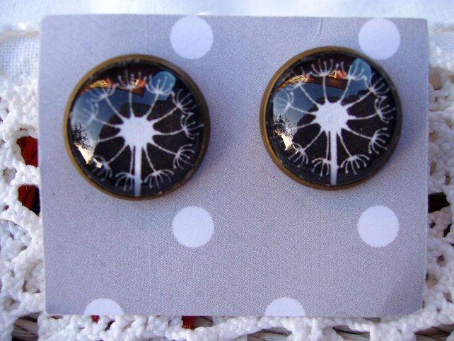 Dandelion Stud Earrings £6.00