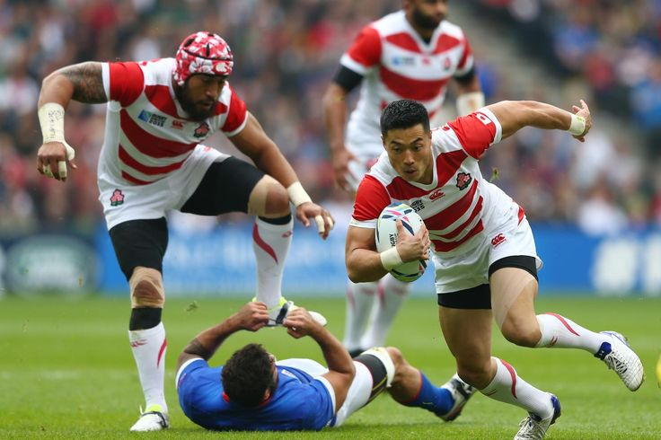 Rugby World Cup 2015 - Match Centre - Match 24 - Oct.3 2015 - Samoa 5 - Japan 26 - GROUP B: RUGBY WORLD CUP 2015 OFF AND RUNNING: Akihito Yamada of Japan makes a break as a teammate leaps over a stranded Samoa defender