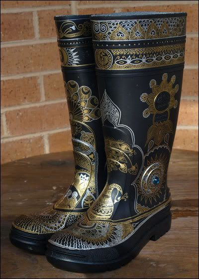 Made with permanent marker. Way cooler than what I had in mind, but this is what I wanted to do on rainboots!