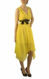 Suntem îndrăgostiți de culori. Ce spui de 3,4,5 domnișoare de onoare în rochii colorate?