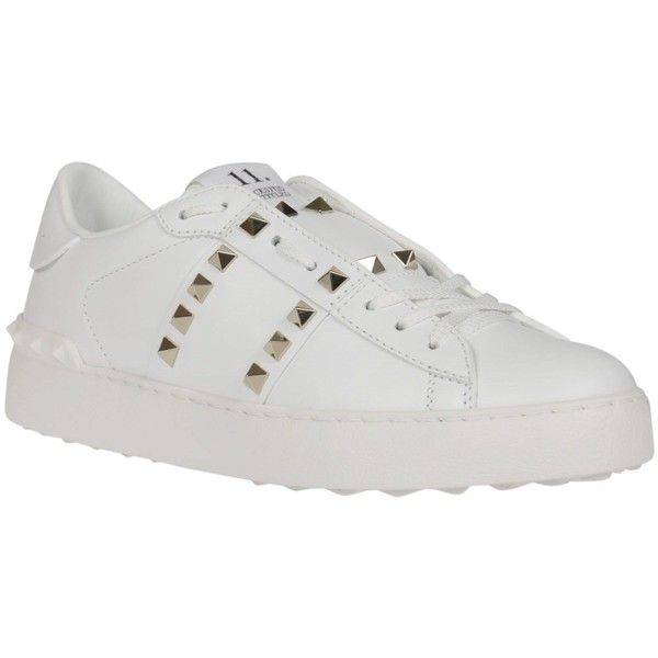 Valentino Rockstud Untitled Sneakers (3.475 DKK) ❤ liked on Polyvore featuring shoes, sneakers, white, white studded sneakers, studded sneakers, white trainers, white sneakers and white studded shoes