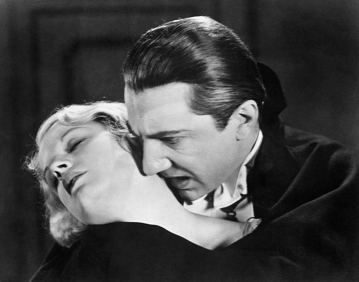 Lugosi Béla, a horrormitológia filmes megalapozója. 85 éve mutatták be a híres filmet, Drakula klasszikus megformálója pedig már 60 éve nincs köztünk, de hatása máig kitart. A filmes horror trend népszerűsége folyamatosan növekszik, ami Lugosi fővámpír tevékenysége nélkül valószínűleg nem így lenne.