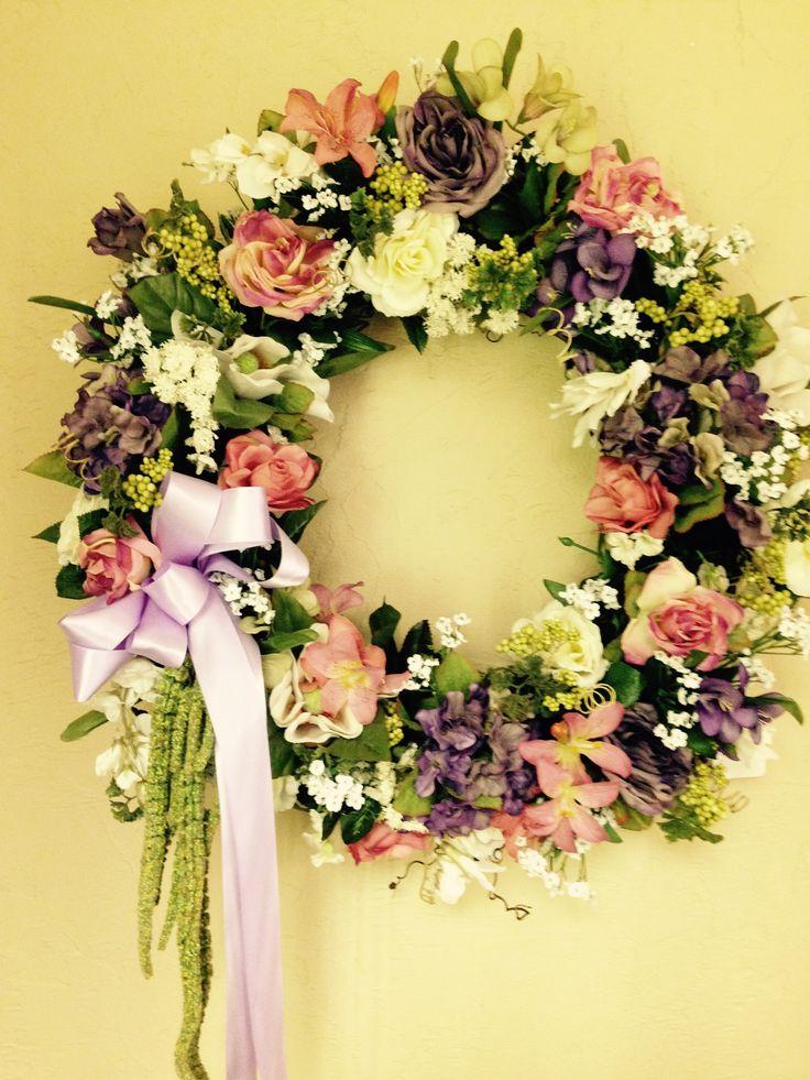 Spring wreath  designed by Veronica Hoenshell