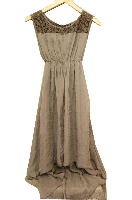 Mooie jurk uit Italie! kort voor, lang achter.. #short #long #jurk #dress #taupe #mode #ModeKoffer #modekoffer.nl