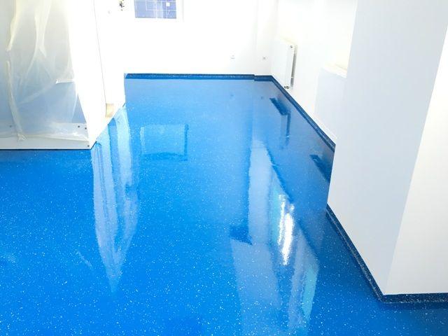 Liate epoxidové podlahy je možné realizovať vo farbe podľa RAL