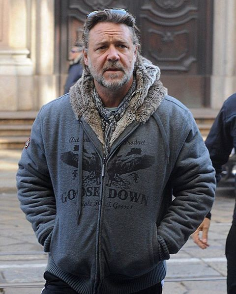 In Milan today #RussellCrowe #russellcrowe #Maximus #casualstyle #actor #gladiator #Maximus #RusselCrowe #milan #instapic #Russell #Crowe #glasses #scarf #charisma #greatactor #russellcrowe #todayphoto
