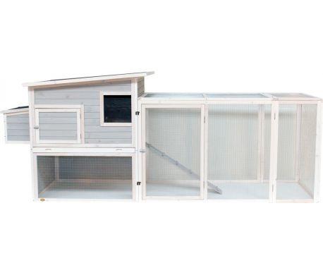 Kippenhok KA7-A is een extra ruim dierenverblijf geschikt voor konijnen en kippen. Het biedt een ruim nachthok met zinken uitschuifbare lade en een extra grote uitloopren. Dit hok heeft een afmeting van 300x102x130 en is geschikt voor 4 - 10 (kriel)kippen