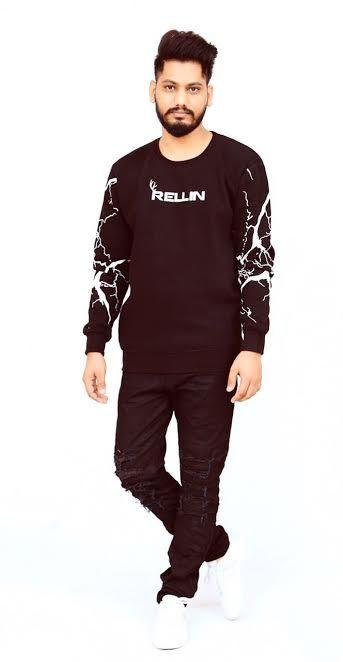 Dress for warmth, and look stylish doing it! Shop @ https://goo.gl/hWwvQO #menswear #branded #manufacturer #Bangaknitwear #Ludhiana #India #Rellin #fashion #sweatshirts #hoodie #latest #style #new #gentlemenfashion #gentlemenstyle #lookoftheday #mensfashion #pullovers #sweatshirts #hoodies