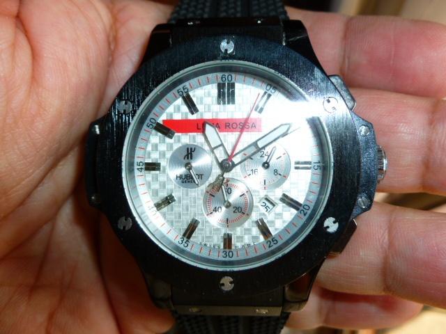 HUBLOT LUNA ROSSA edición especial. Importante leer antes de comprar un reloj replica de COLECCION, pulsa aqui    CORREA DE CAUCHO(OLOR AFRUTADO COCO) PROPIA DE LA MARCA  BISEL ATORNILLADO A LA CAJA CON 6 TORNILLOS, TIPICOS DE LA SERIE BIG BANG.  CAJA DE ACERO DE 48mm, BOTONES APARTE.  CALIBRE AUTOMATICO MIYOYA, BISEL EN NEGRO,CON ESFERA BLANCA Y SUBESFERAS PLATEADAS, NO OPERATIVAS, NO ES EL ORIGINAL  IMPRESIONANTE.Mas info www.tecnotiendaspain.com o pk232mbx@gmail.com   Precio 68.-€