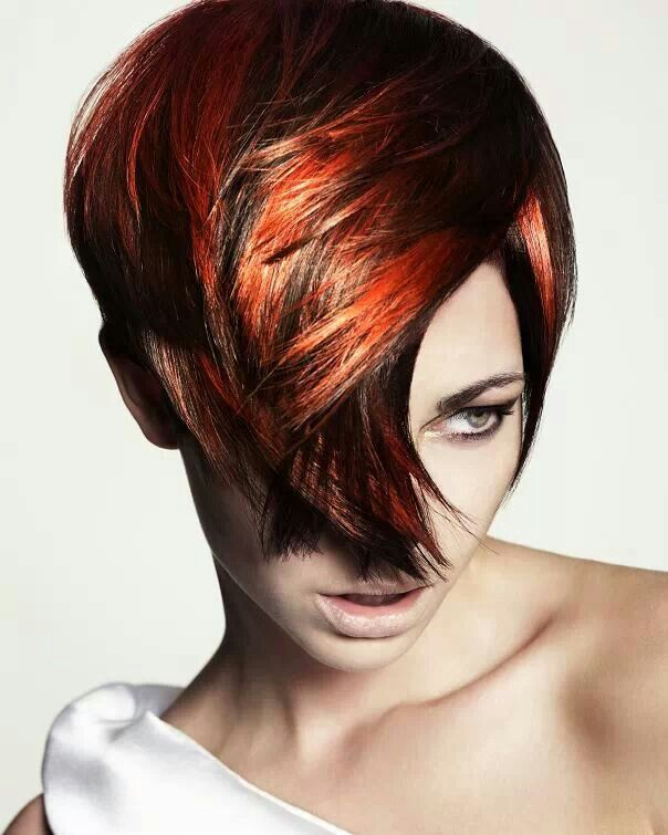 Warme combinatie van de kleuren chocolade bruin en intensief koper blond.
